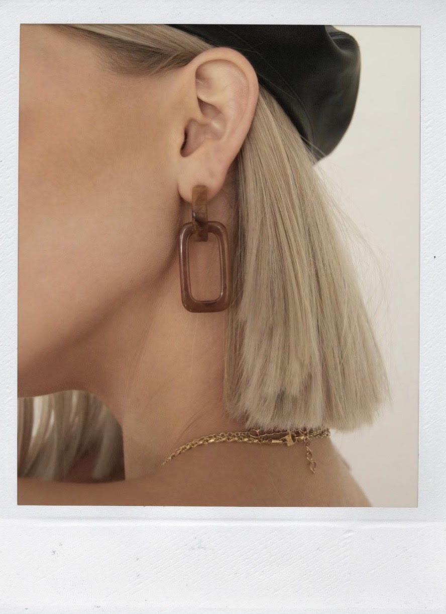 THE EDIE EARRING DARK