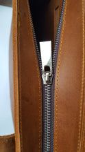 Load image into Gallery viewer, Tan Leather Zipper Tote