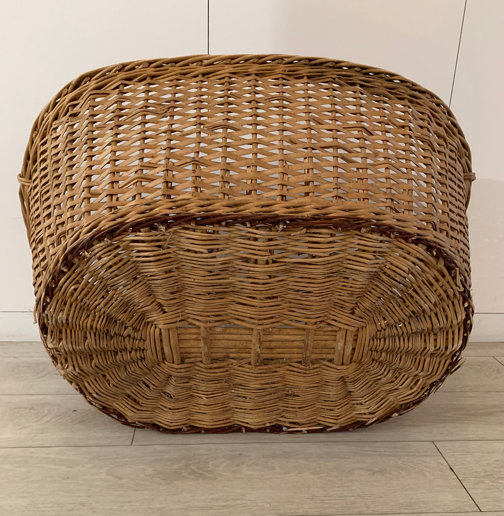 VINTAGE FRENCH LAUNDRY BASKET