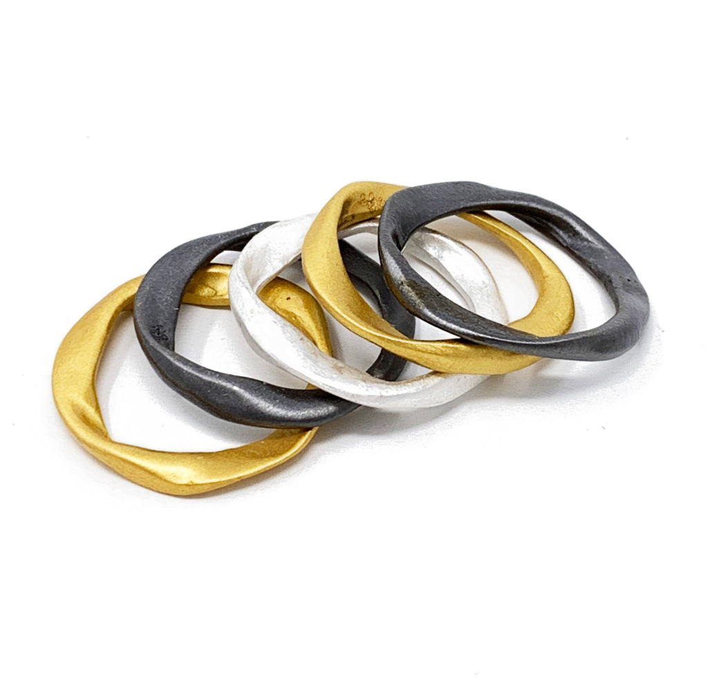 5 layers rings black color