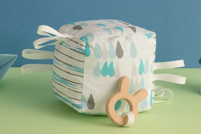 Raindrops - Teething Cube