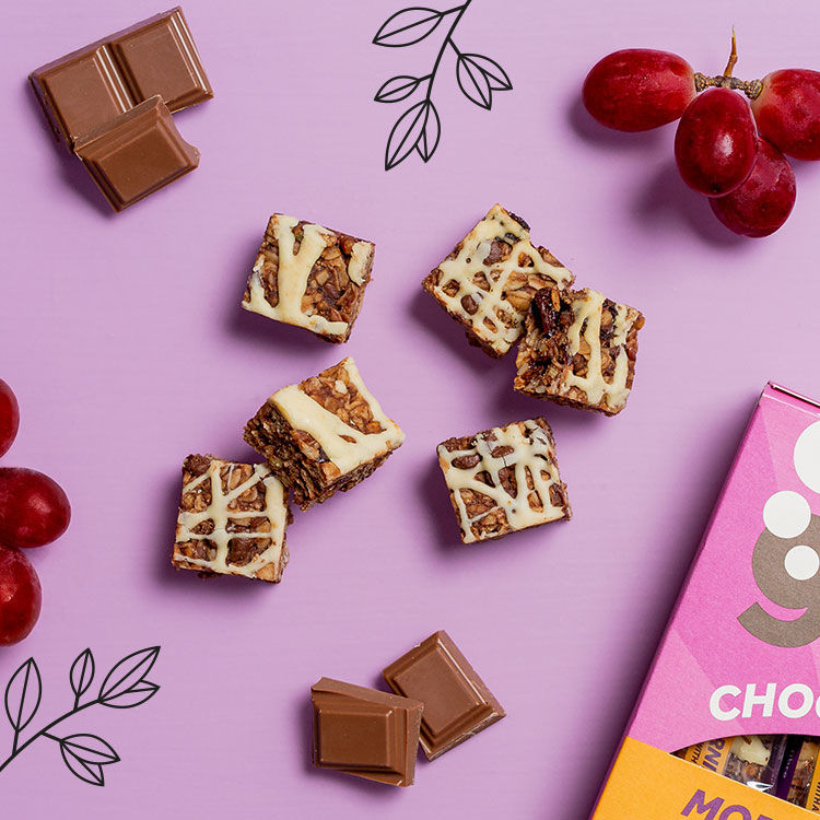 graze choc chip & raisin oat minis box
