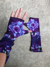 Load image into Gallery viewer, Tie Dye Wrist WarHand Dyed Hand Warmers, Wrist Warmers