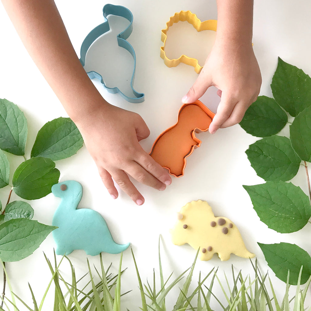 dinosaura dough cutters for 100% non-toxic play dough that's safe and natural for kids hands