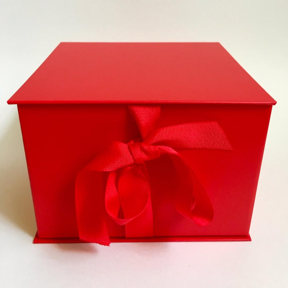 Gift box for her, mom, valentines day, corporate gift basket