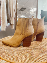 Load image into Gallery viewer, The Sade Boot- Butterscotch