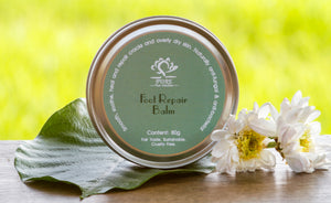Neem & peppermint combine with fragrant Thai lemongrass for smoother feet, cracked heels and over-dry skin.  Naturally anti-fungal.  Organic, sustainable, fair trade & cruelty free.
