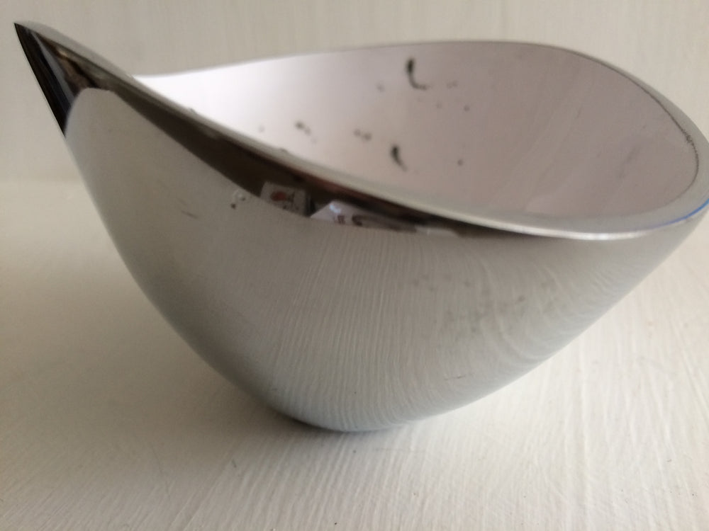 Load image into Gallery viewer, Robin Oval Dish Recycled Aluminium