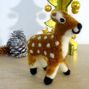 Load image into Gallery viewer, Handmade Deer Decoration