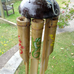 Load image into Gallery viewer, Gecko Bamboo Wind Chime