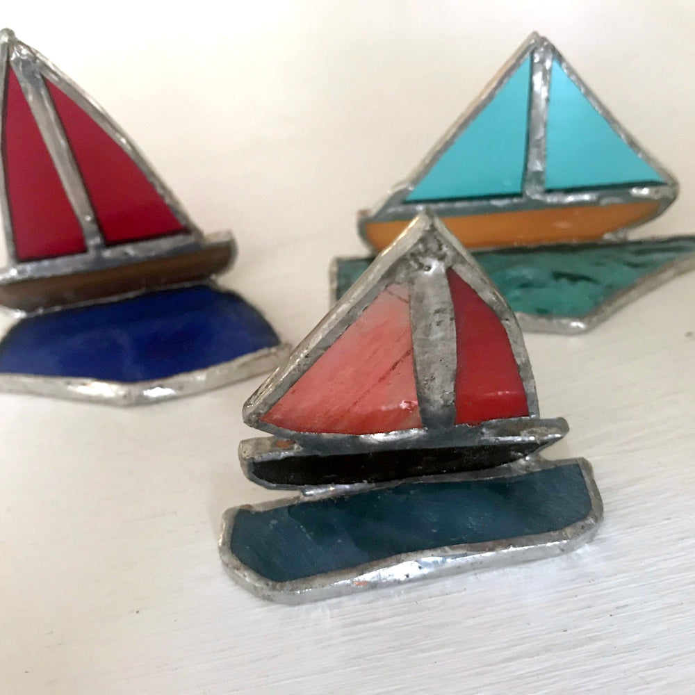 Load image into Gallery viewer, Glass Boat Ornaments