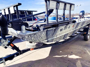 Which type of boat deck should you build for bowfishing?