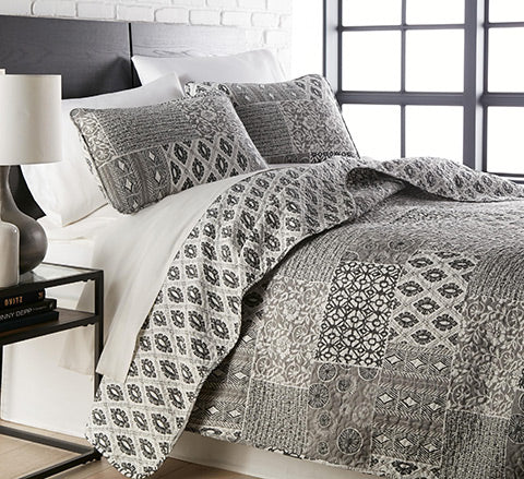 Black and beige boho quilt set