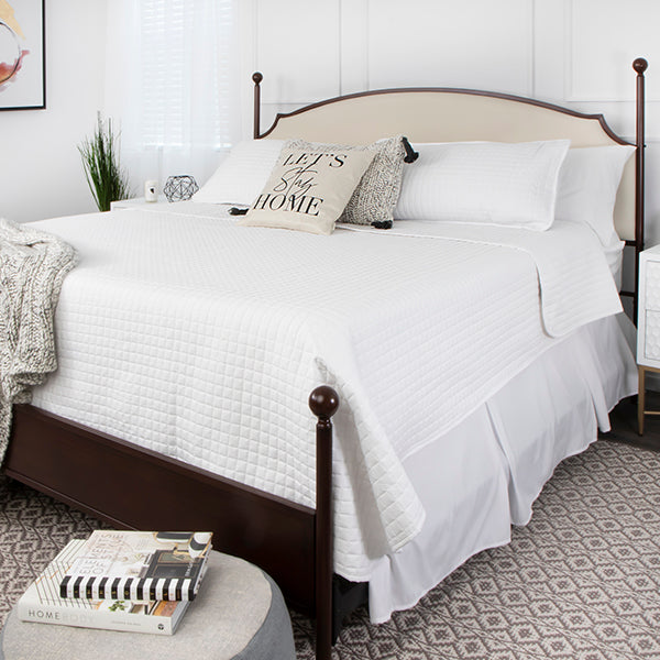vilano quilt set in white