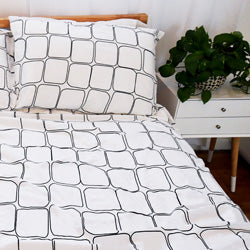 white and blue geometric pattern and modern bedroom duvet cover set
