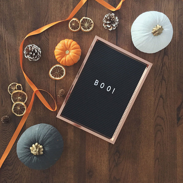 """letterboard with """"boo"""""""