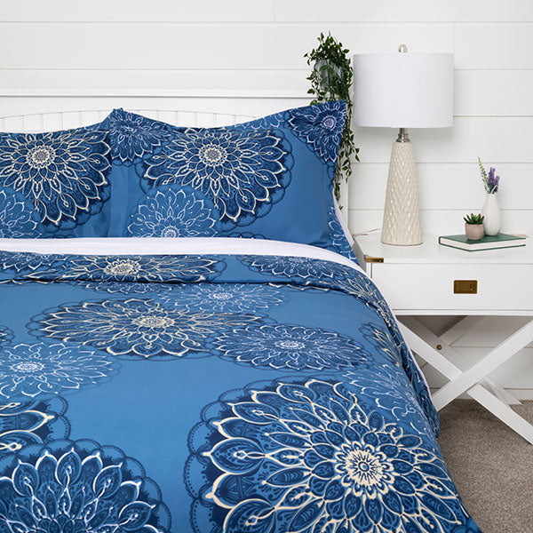 midnight floral duvet in blue