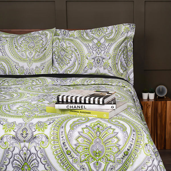 Pure Melody Comforter Set