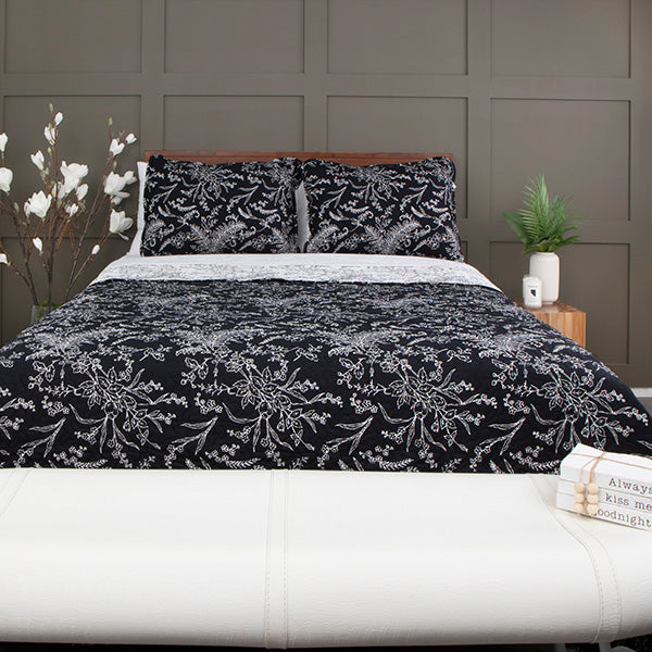 Winter Brush Reversible Quilt Set