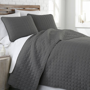 Ultra-Soft Reversible Circle Embroidered Quilt Set in Black