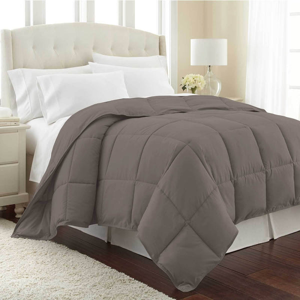 All-Season Classic Plush Down Alternative Comforters by Vilano Springs