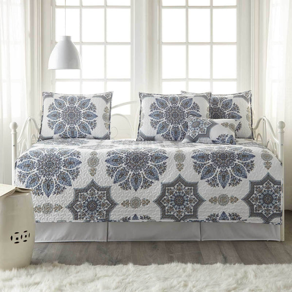 Infinity Daybed Bedding 6-Piece Set in Blue
