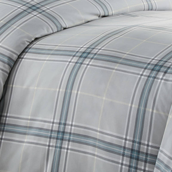 Vilano Plaid Reversible Duvet Cover Set in Grey