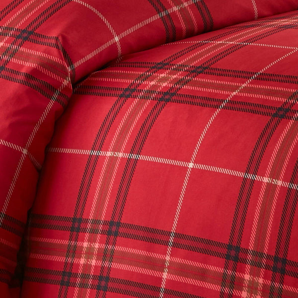 Vilano Plaid Reversible Duvet Cover Set in Red