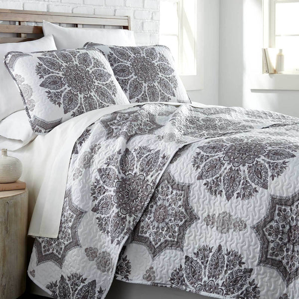 Infinity Reversible Quilt and Sham Set in Grey