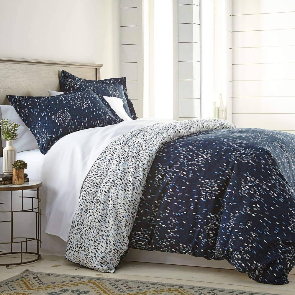 Botanical Leaves Comforter Set in Blue