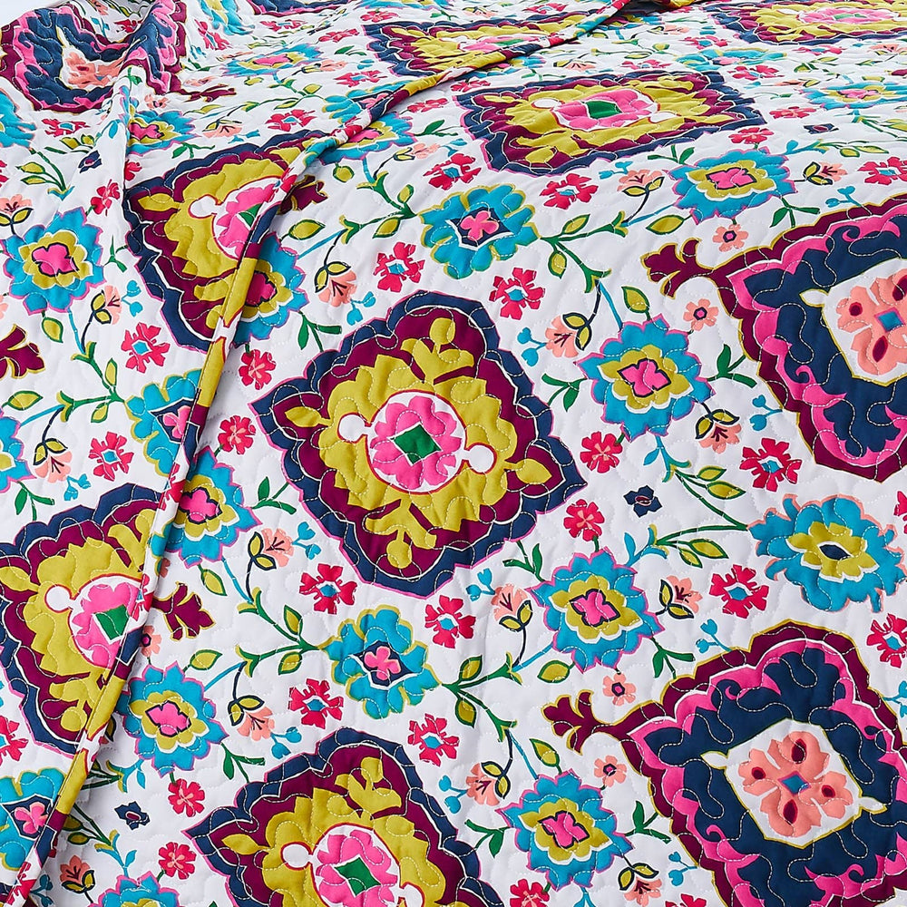 Grace Reversible Quilt Set