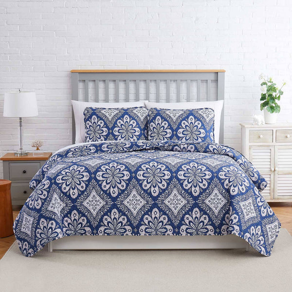 tranquility quilt set in blue