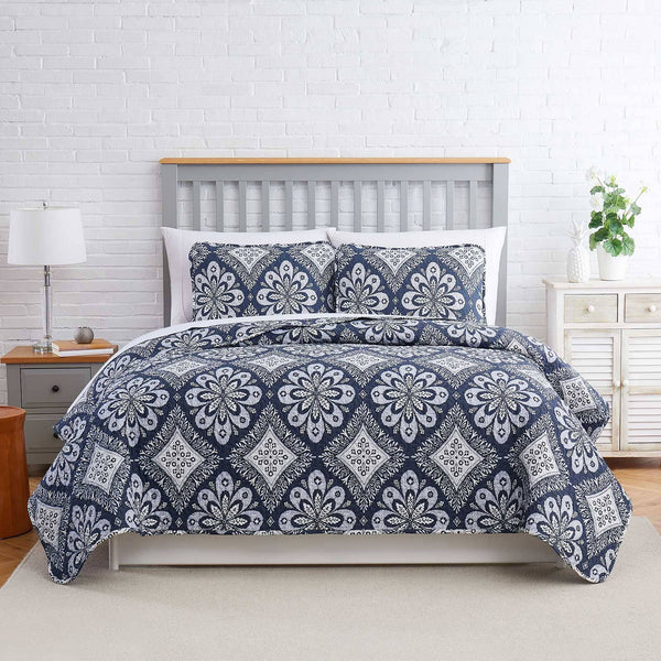 tranquility quilt set in grey