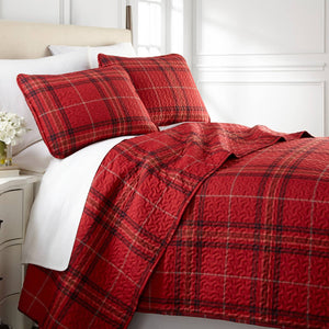 Vilano Plaid Reversible Quilt Set in Red