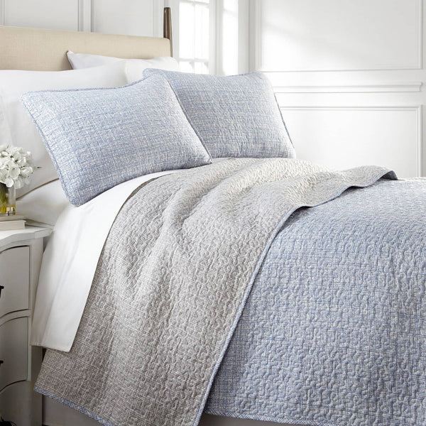 Vilano Choice Muted Mesh Reversible Quilt Set in Blue