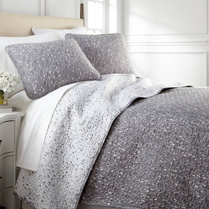 Vilano Choice Botanical Leaves Reversible Quilt Set in Grey