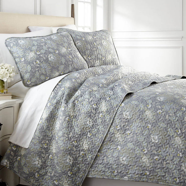 Infinite Blossom Reversible Quilt Set in Steel Blue
