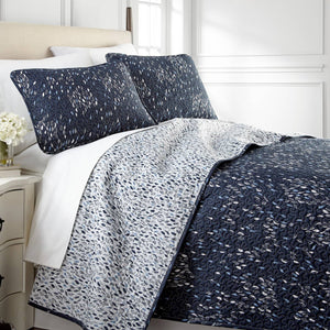 Vilano Choice Botanical Leaves Reversible Quilt Set in Blue