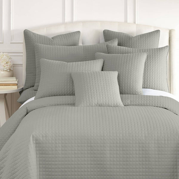 Vilano Quilted Shams in Grey
