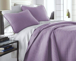 Classic and Luxurious Oversized 3-piece Embroidered Solid Quilt Set in Lavender