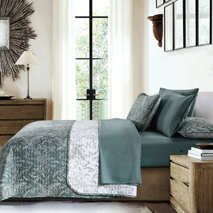 Reversible Teal Winterbrush Microfiber Quilt and Sham Set by Southshore Fine Linens Image 2