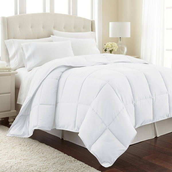 All-Season Classic Plush Down Alternative Comforters by Vilano Springs in White