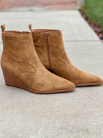 Load image into Gallery viewer, Matisse Essentials Bootie in Fawn