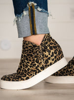 Load image into Gallery viewer, Leopard Canvas Wedge Sneaker