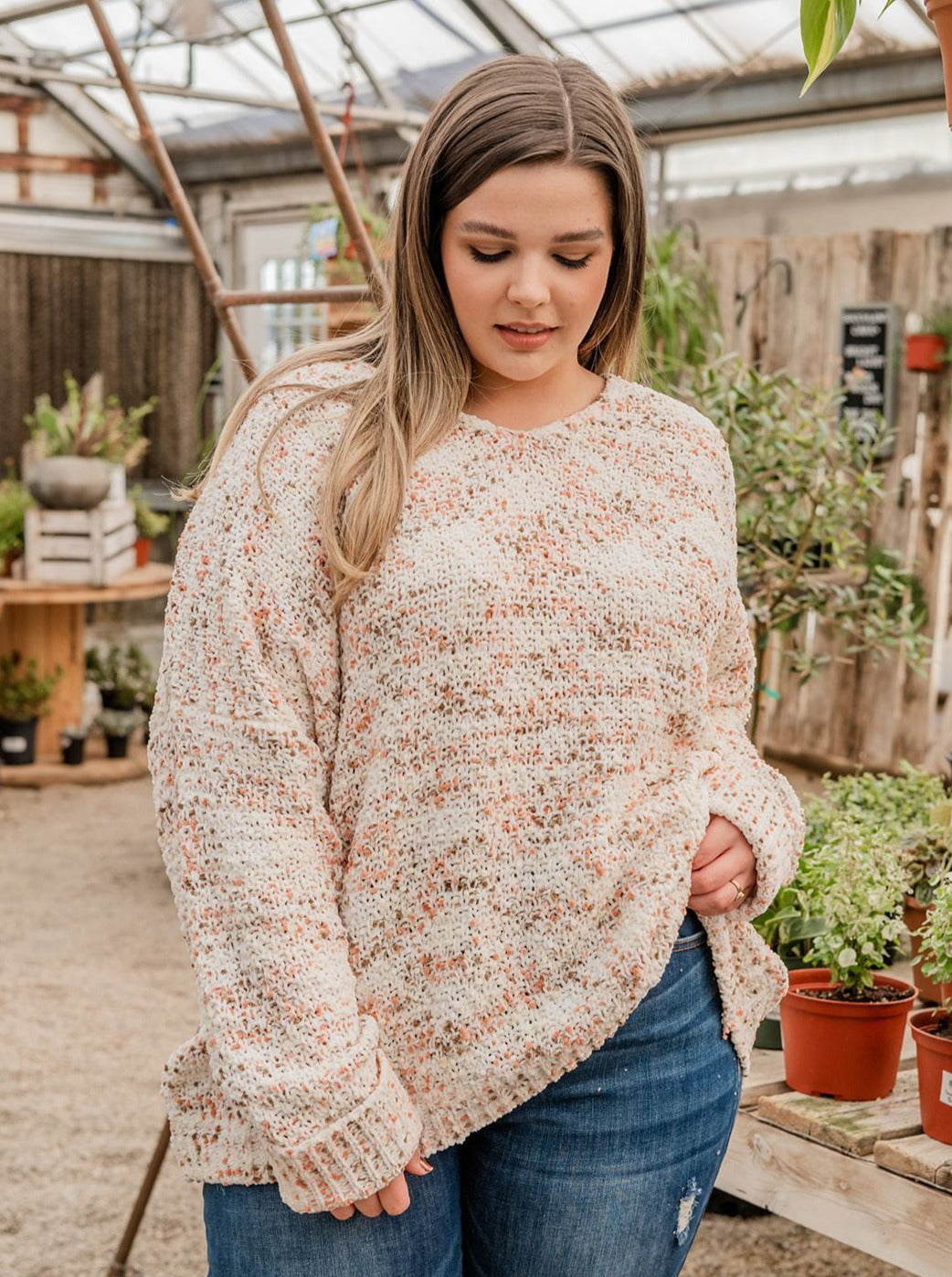 This sweater features a long sleeve speckled print knit sweater with a v-neck neckline.   Fabric: 100% Polyester Approx Measurements: Model Kendall: 5'6 size 16 wearing size 2X
