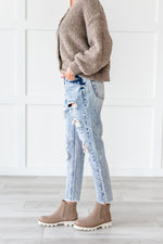 Load image into Gallery viewer, KanCan Stone Washed Distressed Jeans