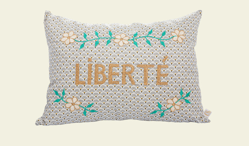 Coussin Brode main LIBERTE