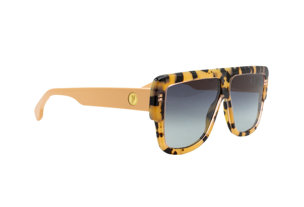 757 p399 paparrazi on sunglasses