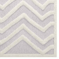 TRIAD ABSTRACT CHEVRON 8X10 SHAG AREA RUG IN IVORY AND LIGHT GRAY