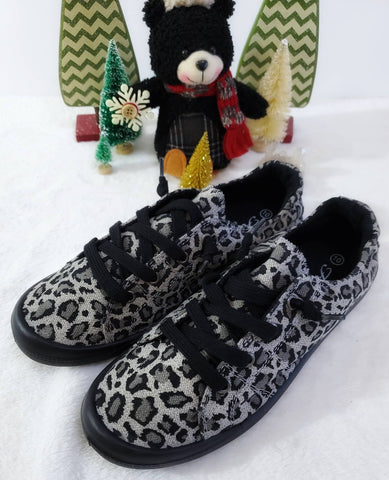 Forever Comfort Tennies - Snow Leopard